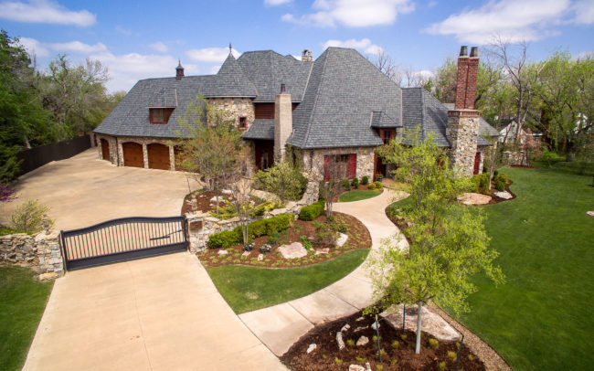 Residential Aerial Real Estate Photo of Front of Nichols Hills Home
